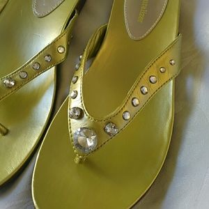 7628b5ed4273 Naturalizer Shoes - 7.5 Naturalizer Lesley green rhinestone sandals